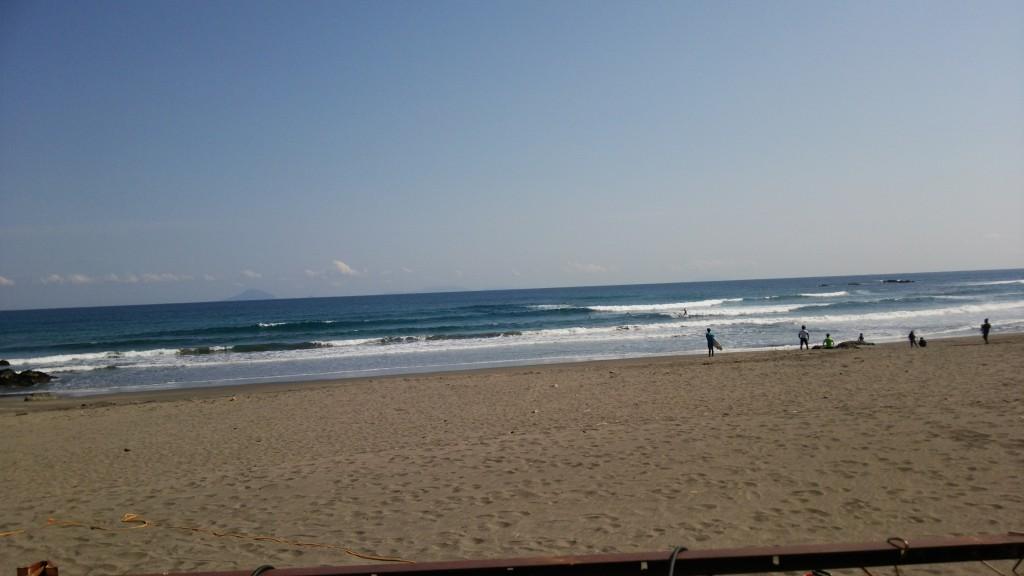 午前中はハイタイドで難しい波でしたが10時からは最高の波でした。